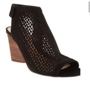 Vince Camuto preforated peep toe booties size 91/2